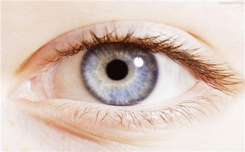 青光眼发病有哪些前兆 青光眼的早期症状 治疗青光眼的民间偏方