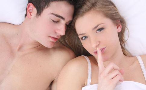 生殖器疱疹如何预防 生殖器疱疹有什么预防方法 生殖器疱疹的症状有哪些
