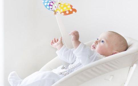 婴儿防晒的4个误区 遮阳蓬不安全