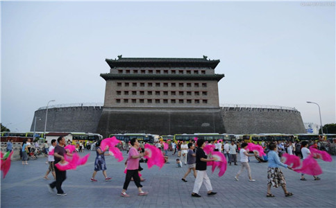 广场舞怎么学最快 想学广场舞该怎么入手 经常跳广场舞的好处