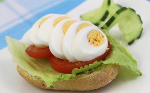 吃鸡蛋有什么好处 吃鸡蛋的作用 吃鸡蛋要注意哪些