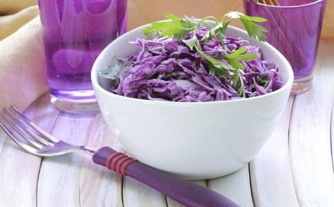 夏季减肥吃什么沙拉可以减肥 最适合夏季的减肥沙拉有哪些 夏季吃沙拉可以减肥吗