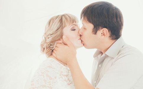 新婚夫妻如何相处 新婚夫妻相处之道 新婚夫妻怎样经营婚姻