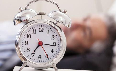 21个月宝宝睡眠时间_如何看你的年龄需要多久的睡眠时间