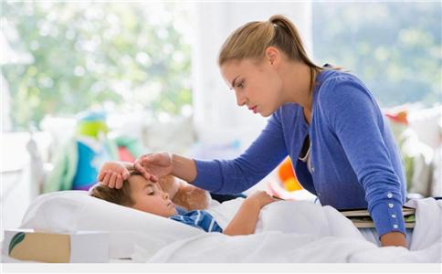 女婴用退烧贴过敏 宝宝发烧怎么办 使用退烧贴注意什么