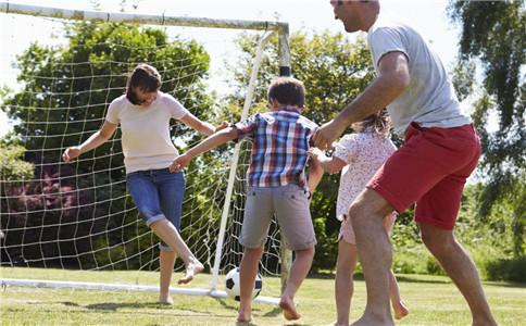 踢足球还有这些好处 不止是健身