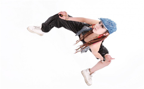 跳什么舞蹈能减肥 跳街舞有什么技巧 街舞有哪些分类