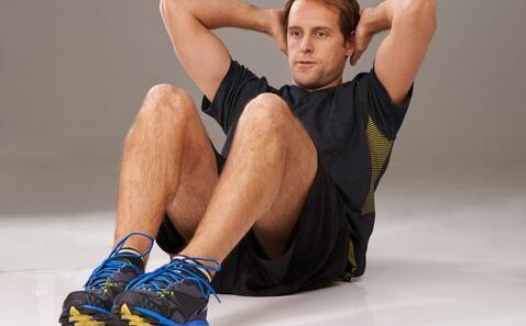 45岁老爸12周练出腹肌 45岁12周练出腹肌 如何练出腹肌