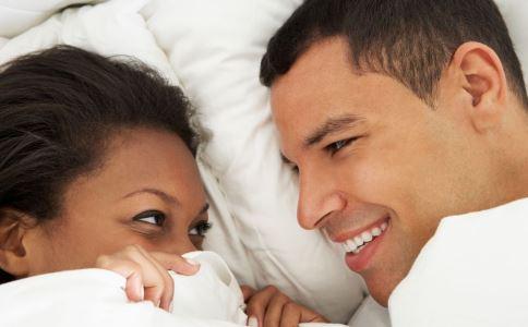 睡前要注意什么 每天要睡多长时间 如何提高睡眠质量
