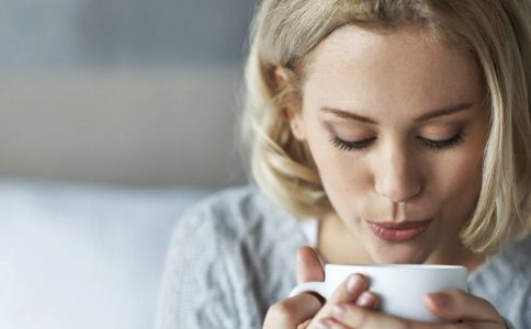 产后奶水不足怎么办 吃什么食物能催奶 女性产后怎么做恢复得快