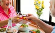 老人怎样吃肉才健康 需注意三大饮食原则