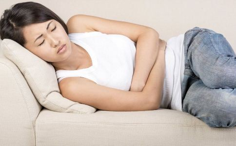 造成月经不调的原因 月经不调是怎么回事 长期月经不调的危害
