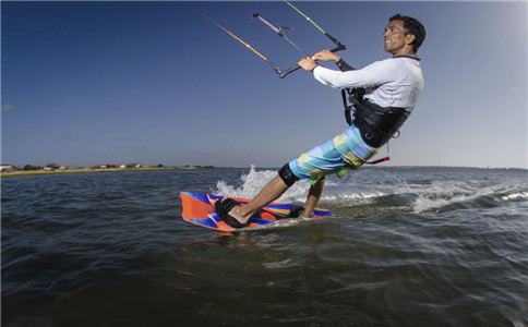 冲浪的健身作用 需注意事项
