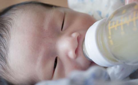 1岁多宝宝喝什么奶粉好 适合一岁宝宝奶粉品牌 1岁宝宝喝什么奶粉好