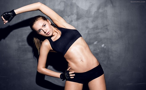 夏季减肥如何瘦腰比较好 适合夏季瘦腰的动作有哪些 夏季减肥瘦腰运动