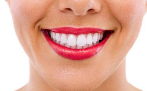 导致牙周炎的原因 牙周炎的病因是什么 牙周炎的原因有哪些