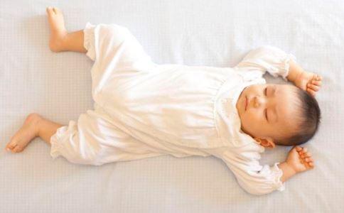 宝宝吐奶怎么办 吐奶如何预防 吐奶如何解决