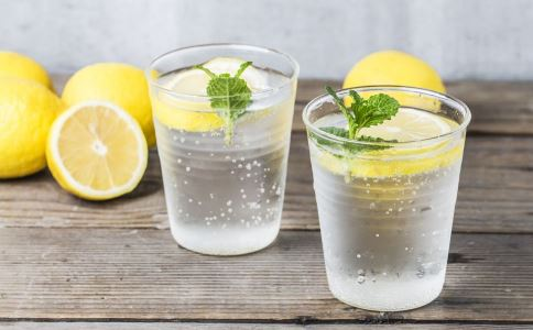 柠檬水怎么泡 怎么泡柠檬水才好喝 柠檬水的正确泡法