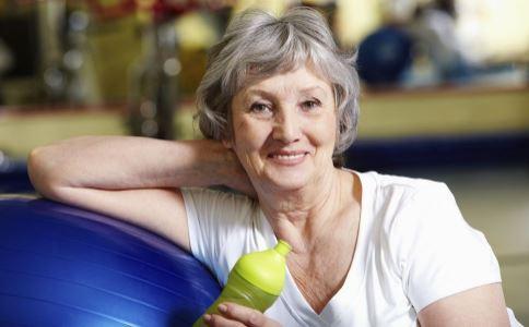 老人如何养生 老人怎么健康喝水 老人喝水养生
