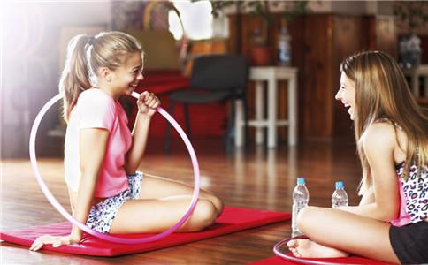 饭后多久可以转呼拉圈? 呼拉圈怎么转的技巧 转呼拉圈的好处