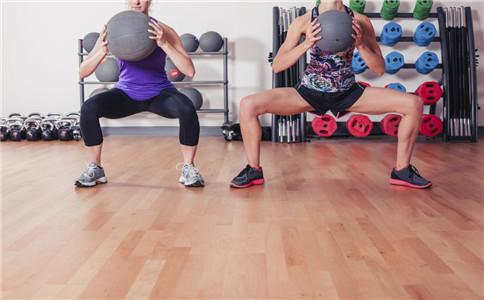 深蹲跳的健身作用 有助于长高