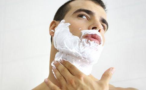 刮胡子居然关系到性快感 胡子生长与激素有关