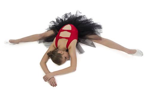 老人跳芭蕾舞有什么好处 怎么跳芭蕾舞 老人跳芭蕾舞注意什么