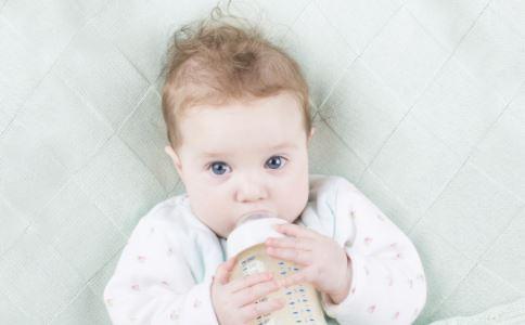 婴儿鹅口疮的原因有哪些 婴儿鹅口疮应用什么药 婴儿鹅口疮怎么办