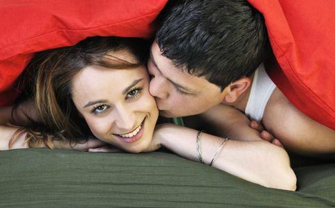 女性婚前同居应不应该 婚前同居的好处 婚前同居的坏处