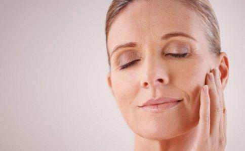 女性更年期症状有哪些 女性更年期的早期症状 女性更年期保养方法
