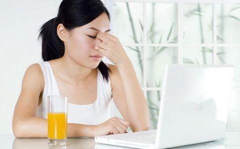 谁说上班不能减肥 八小时动出好身材