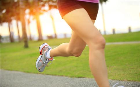 长跑的3个动作要领 跑前做热身操