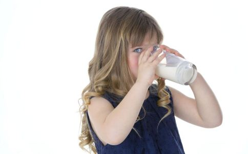 小儿高血压吃什么好 小儿高血压如何预防 怎么预防小儿高血压