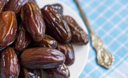 什么食物缓解牙痛 缓解牙痛吃什么食物 缓解牙痛的食物有哪些