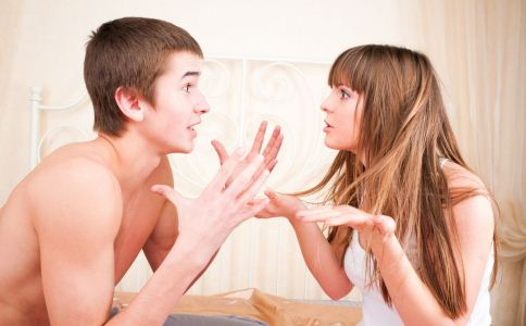 男人吃醋的表现有哪些 男人会因为什么吃醋 男人吃醋有哪些表现