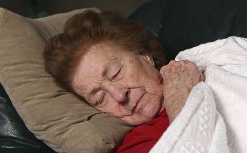 老人养生睡眠方法的禁忌 老人快速入睡的方法 老人如何快速入睡