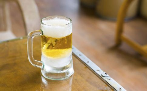 胃溃疡患者不能喝的饮料 胃病患者不能吃的食物 胃病饮食禁忌