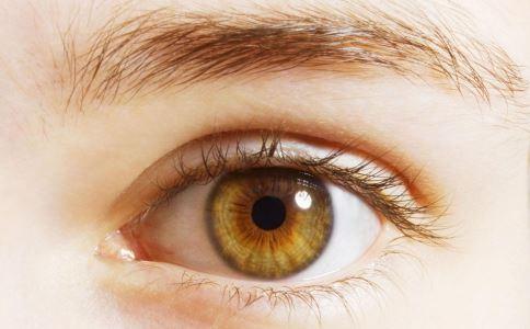 如何发现黄斑病变 怎么判断黄斑病变 黄斑病变的检查方法