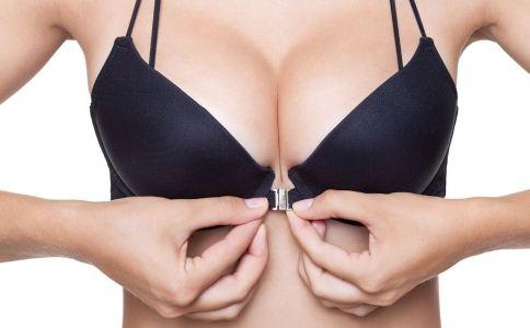 女性如何穿戴文胸 女性正确穿文胸的方法 女性如何选择文胸