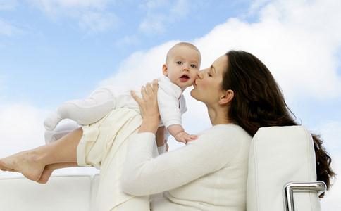 亲吻孩子注意事项 亲吻孩子须知 亲吻孩子的危害
