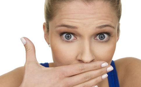 口臭因为口腔疾病 喝牛奶可去除