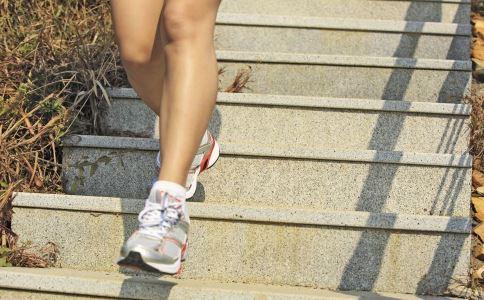 爬楼梯多久可以减肥吗 爬楼梯减肥的正确方法 爬楼梯可以减肥吗