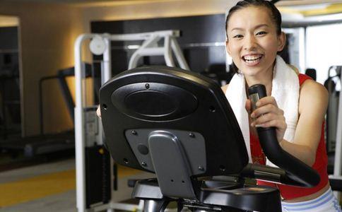 李念晒健身照 健身的好处 健身注意事项