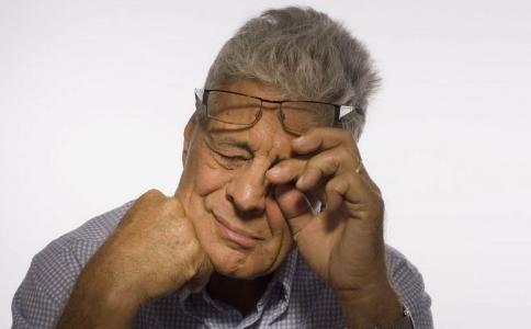 睫毛里爬出3条虫 日常如何护眼 日常护眼方法