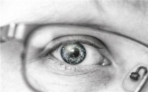 眼睛远视怎样保护 如何预防远视眼 远视眼的症状有哪些