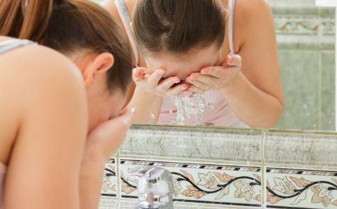 冷水洗脸可以瘦脸吗 瘦脸的方法有哪些 吃什么瘦脸最快