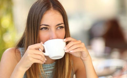 经期喝咖啡好不好 经期喝咖啡的坏处 哪些人不宜喝咖啡