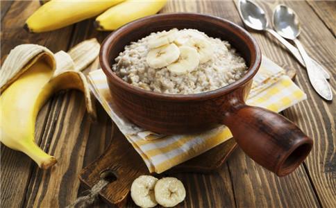 宝宝健康吃什么 试试香蕉菜泥粥