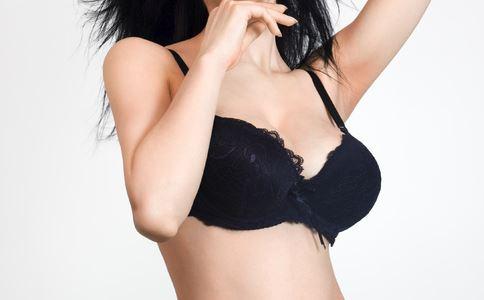 乳腺囊肿钟爱哪些女性 双乳多发性乳腺囊肿饮食注意什么 乳腺囊肿怎么办