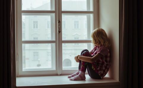 9秒揍儿子8拳 家暴的危害 家暴对孩子的心理危害